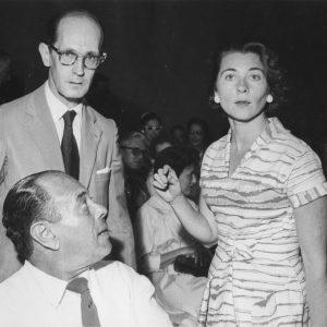 A artista Fayga Ostrower e o poeta Carlos Drumond de Andrade
